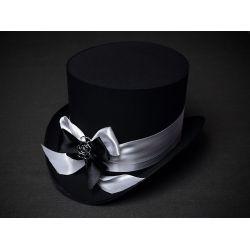 Шляпа цилиндр черный с атласными лентами черного и белого цвета и пряжкой в виде розы. Головной убор в стиле стимпанк.