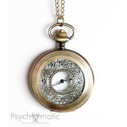 Часы карманные с ажурной откидной крышкой.
