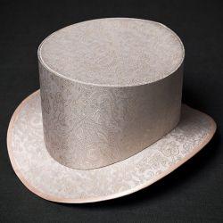 Головной убор. Шляпа цилиндр нежного бежевого цвета с золотым орнаментом. Купить, заказать.