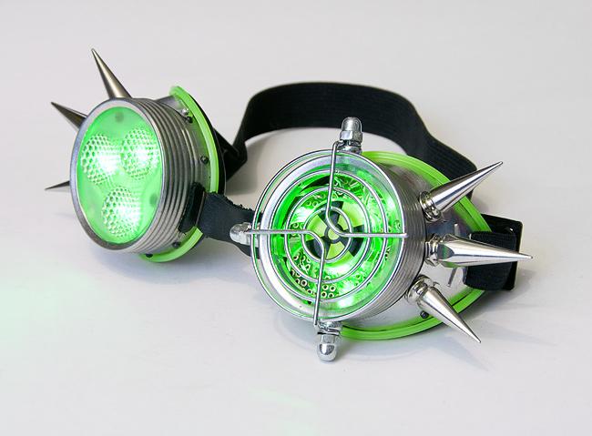 Кибер гот очки. Кибер очки с кулером, декоративной решеткой, рассеивателем и светодиодной подсветкой зеленого цвета.