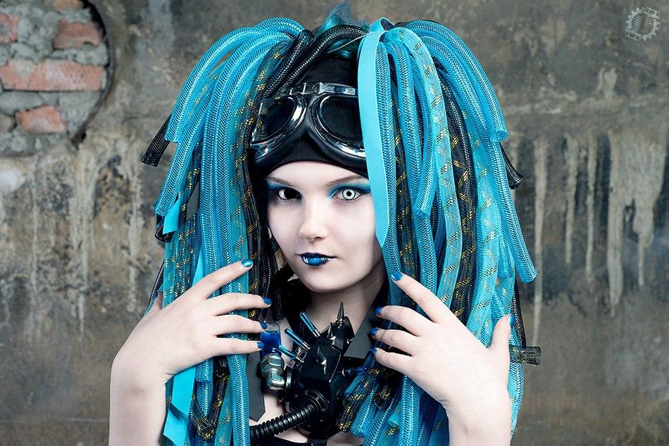 Cyberlox black and blue