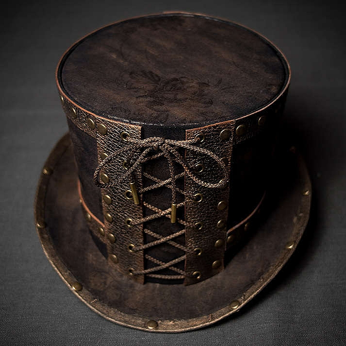 Стимпанк шляпа цилиндр декорированный натуральной кожей