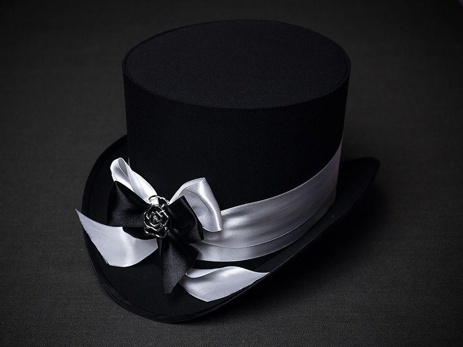 шляпа-цилиндр черного цвета