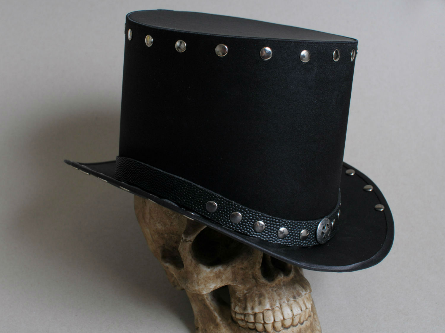 heavy metal black top hat
